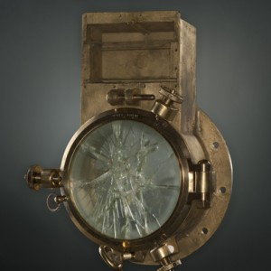 Porthole from the Empress of Ireland. Canadian Museum of History, 2012.21.439.1, photo Frank Wimart, IMG2012-0281-0004-Dm