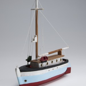 Model of pilot boat from Pointe-au-Père. Canadian Museum of History, 2014.0014.0043.1. This boat operated between the shore at Pointe-au-Père and the ships out in the channel. Beginning in 1960, the pilot station was moved to the north shore community of Les Escoumins, where to this day pilots are still taken on and off the passing vessels.