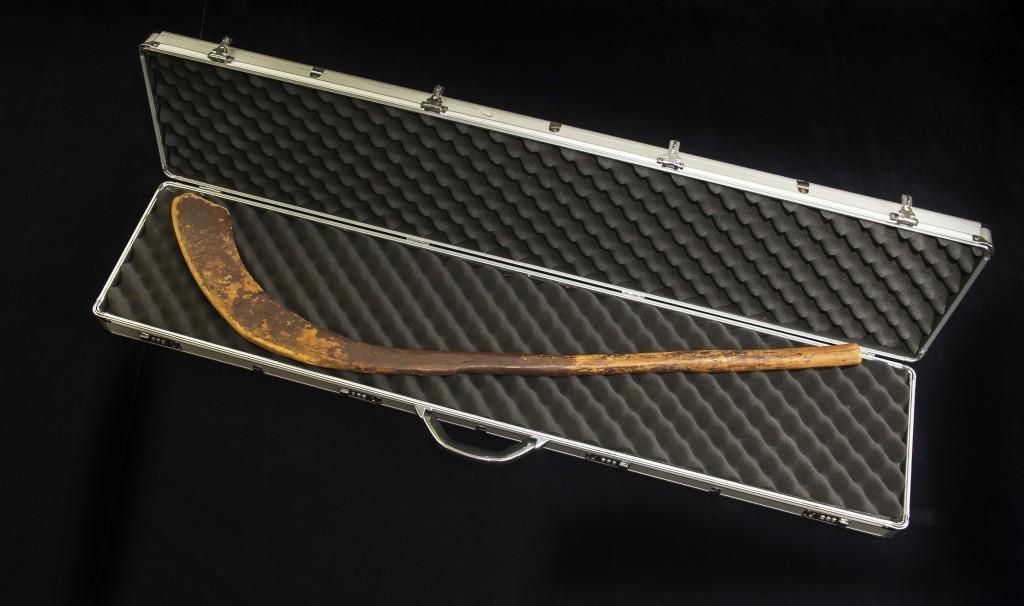 Bâton de hurley (ancêtre du hockey), 1835-1838. Bâton ayant appartenu à W. M. Moffatt, île du Cap‑Breton (Nouvelle‑Écosse). Musée canadien de l'histoire, 2014.27