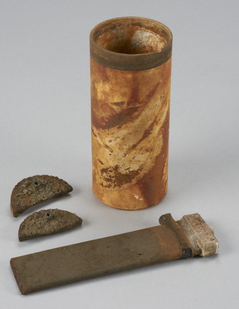 Pile destinée à un télégraphe de l'Empress of Ireland (Musée canadien de l'histoire, 2012.21.499).