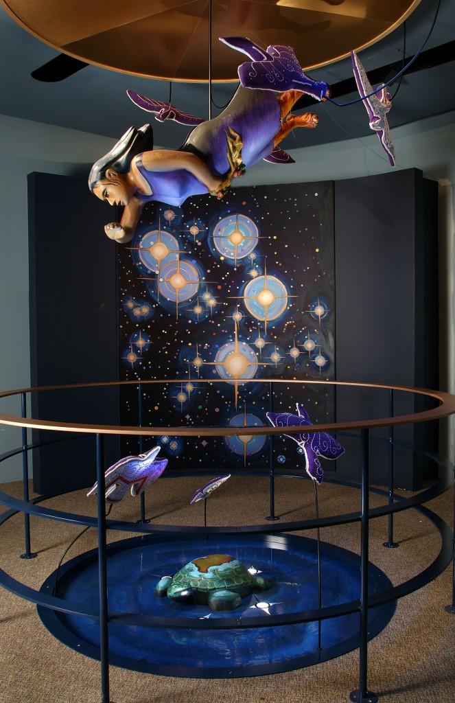 La Femme du Ciel, installation de l'artiste Shelly Niro, Musée canadien de l'histoire, photo : H. Foster