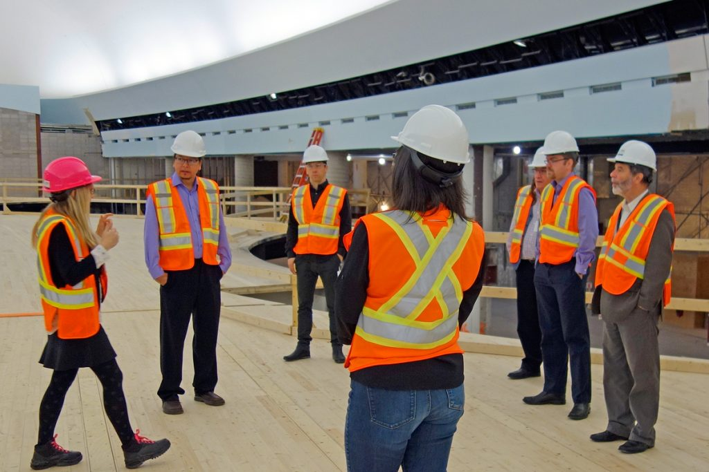 Members of the Aboriginal Advisory Committee visited the Canadian History Hall in construction during a meeting with Museum staff. Canadian Museum of History, photo C. O'Sullivan.