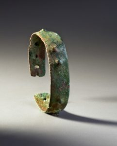 Bracelet, Late Archaic, Lake Superior, 3,000–4,000 years ago Native copper Canadian Museum of History, DiJa-1:34