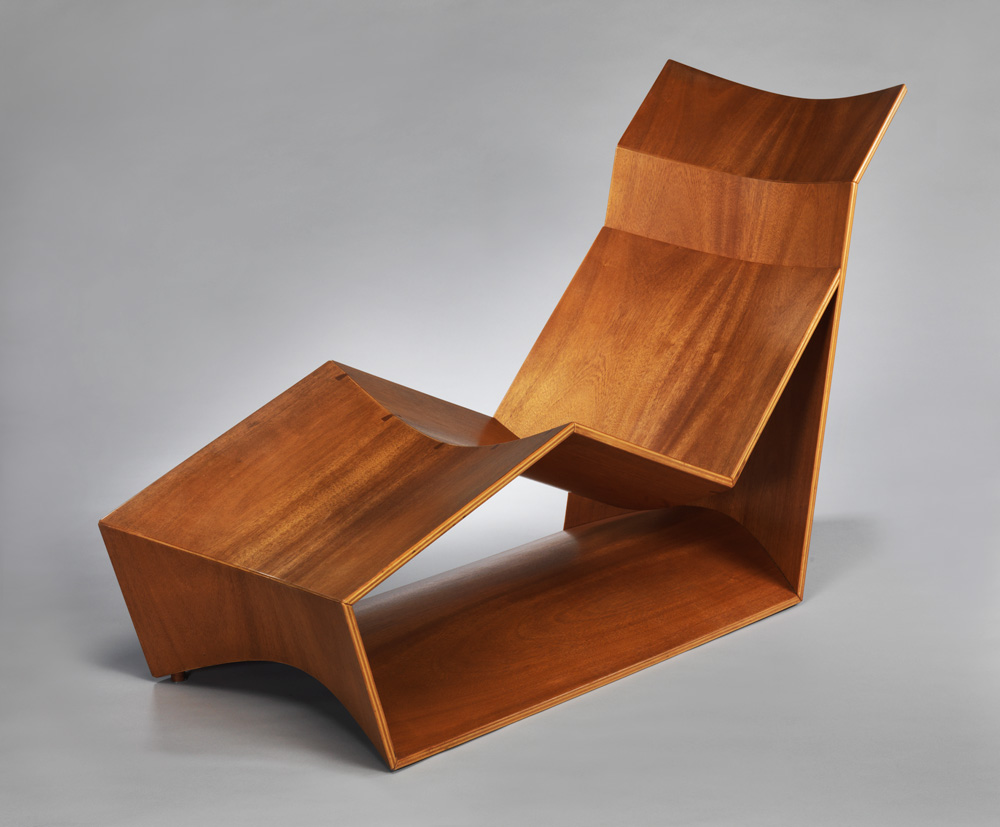 Formed planar chaise lounge
