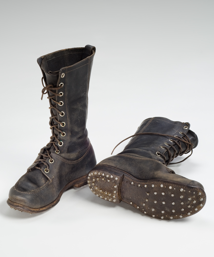 Log driver's boots