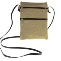 Passport Pouch Maple Leaves Beige:: Pochette de passeport feuille d'