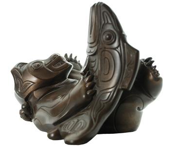 Bronze Spirit Bear Sculpted by artist Micheal MacLean:: L'esprit de l'ours sculpter dans le bronze par l'artiste Micheal MacLean
