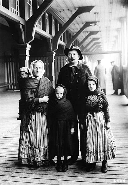 immigration of 1870 to 1910 The history of immigration to the united states details the movement of people to the united states starting with the  1870 1880 1890 1900 1910 1920 1930 1940 1950.