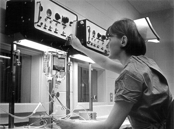 hospital dialysis machine cost