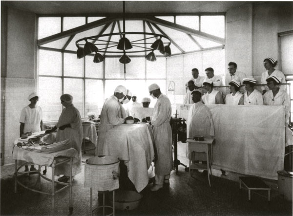the doctor nurse relationship in operating theatre images