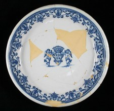 Faience plate with arms of St. Ovide de Brouillant