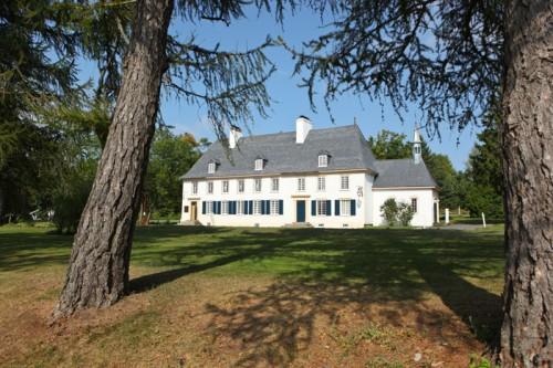 Mauvid-Genest Manor at Saint-Jean, Isle-d'Orléans