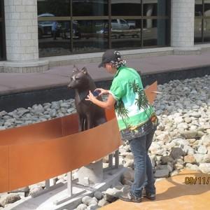 The artist photographing the 'NAMAXSALA sculpture